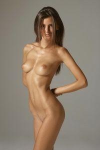 Naked Beauty With Melinda